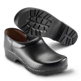 Sika Traditional - Closed clog
