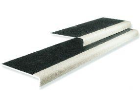 Traptreden indoor&outdoor Zwart met witte neus   600 mm x tot 345 mm x 55 mm